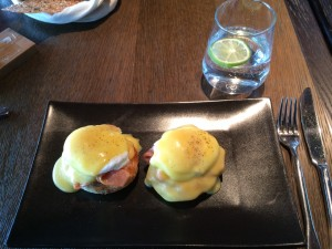 Bread Street Kitchen_Egg benedict