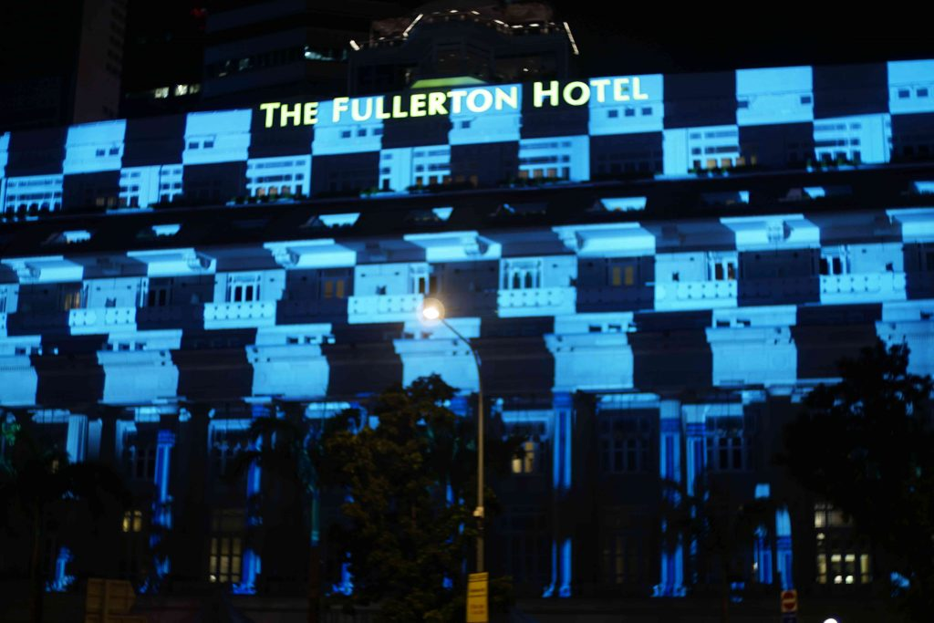 2016-fullerton-hotel-projection-mapping_03